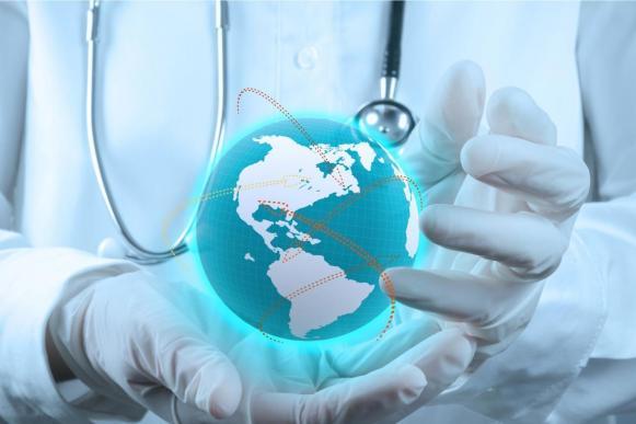 Искать лечение за границей самим или довериться посреднику?