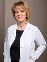 Лікар Есра Елмали