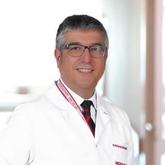 Professor Surgeon Serdar Karahatay